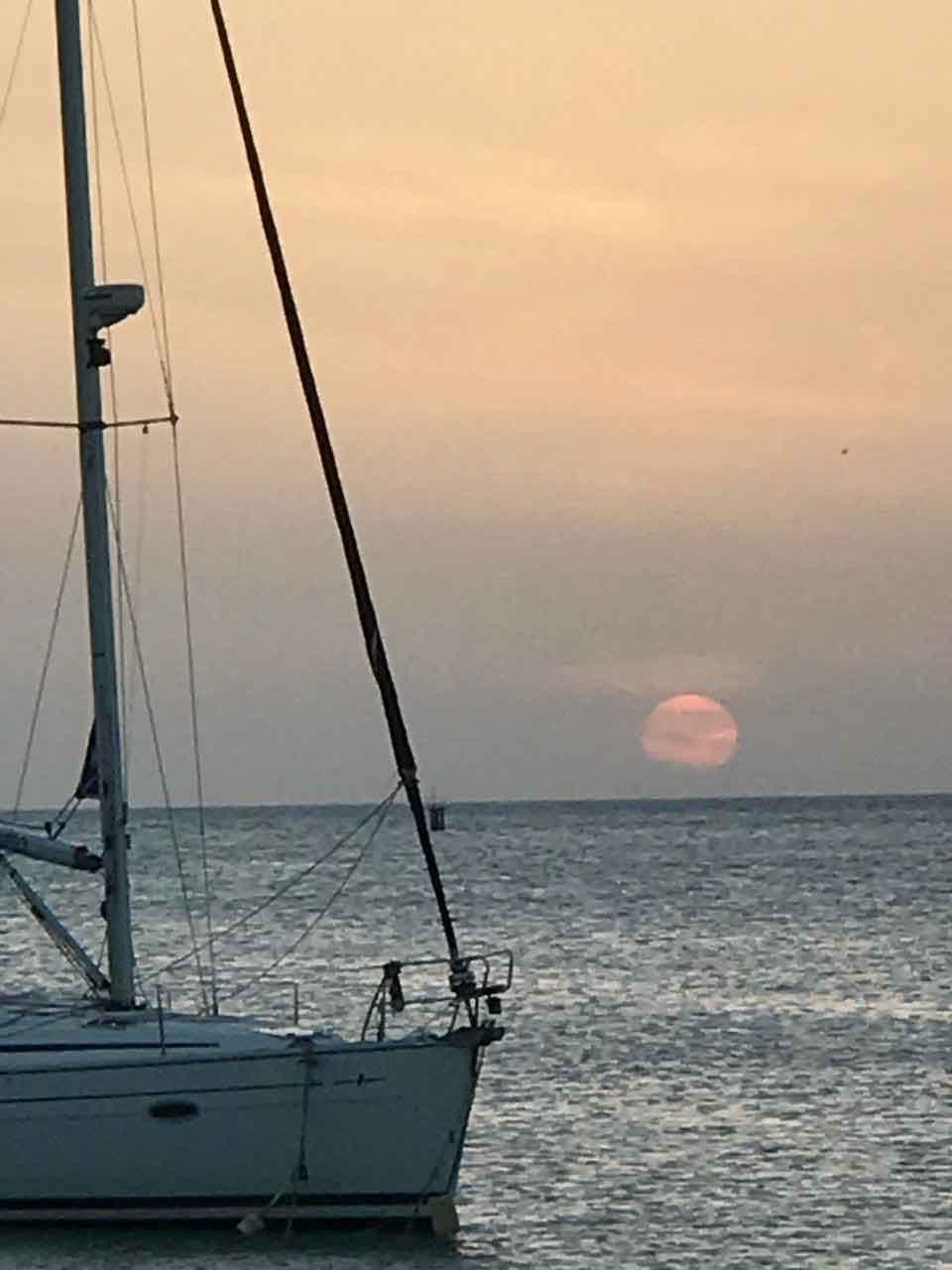 Vakantiewoning Aruba zonsondergang Barefoots - OMGEVING